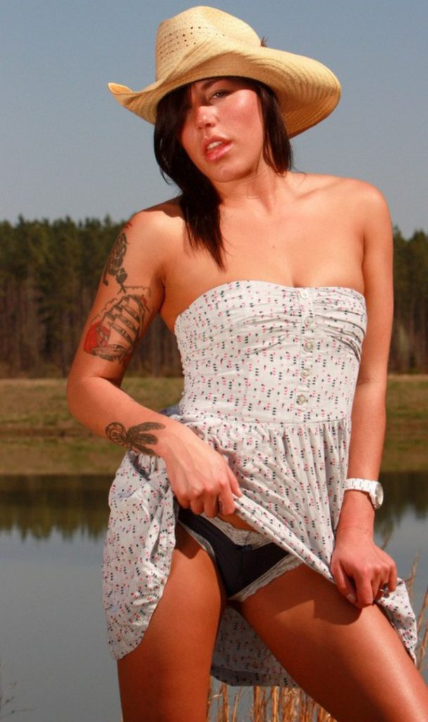 Candid country girl Lexi - sexchat, striptease on cam