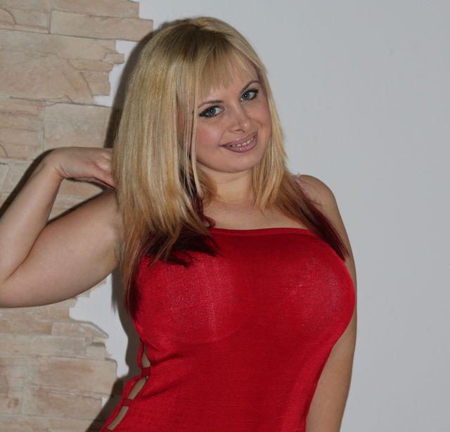 Big tits - foxy cam girl Vanessa