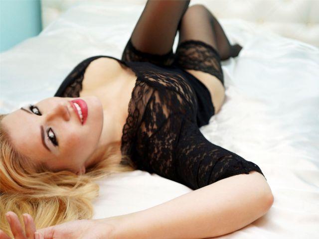 Busty camgirl Helen in black bodysuit & stockings