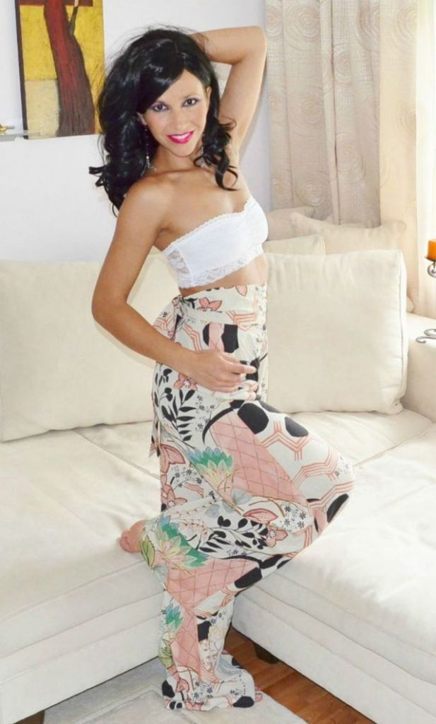 Hot lady Anna - sexchat, striptease on cam