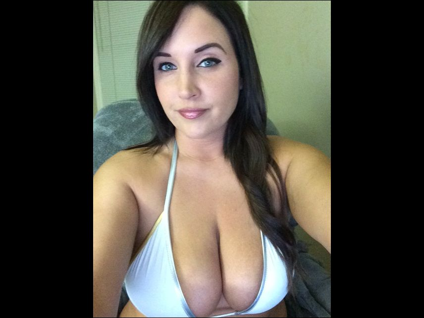 Big boobs - hot cam girl Tia