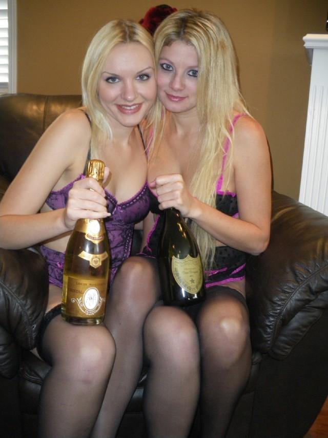 Hot lesbian webcam girls