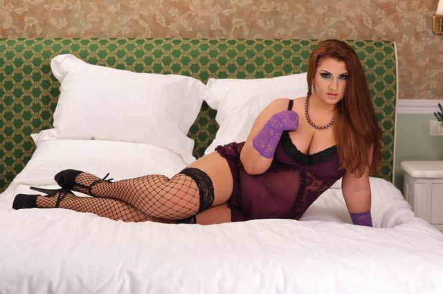 Hot BBW Alice in black lingerie & fishnet stockings
