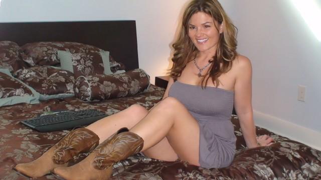 Country girl strip tease