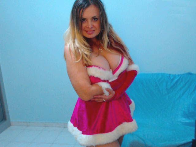 Big tits - hot cam girl Vanessa