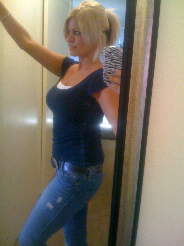 Hot, busty cam girl Jenny in tight blue jeans - sexchat, striptease on cam