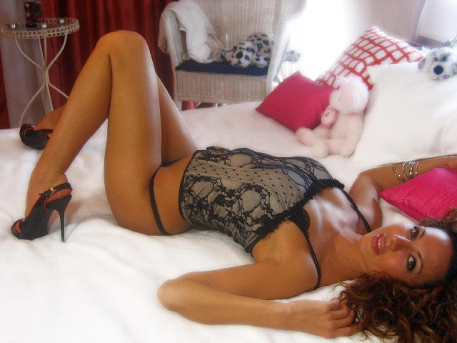 Hot cam girl Jasmine in new lingerie