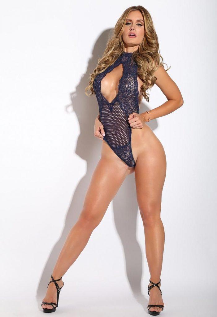 Hottest cam girl Morgan in new bodysuit