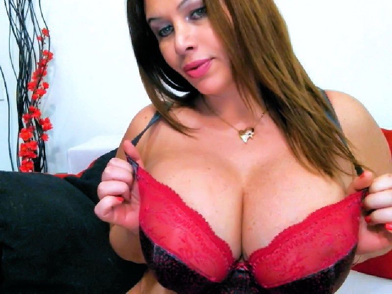 Big sexy boobs - hot cam girl Julia