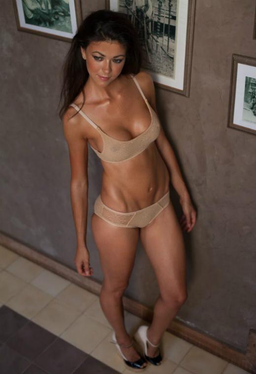 Hot cam Jessica in new lingerie