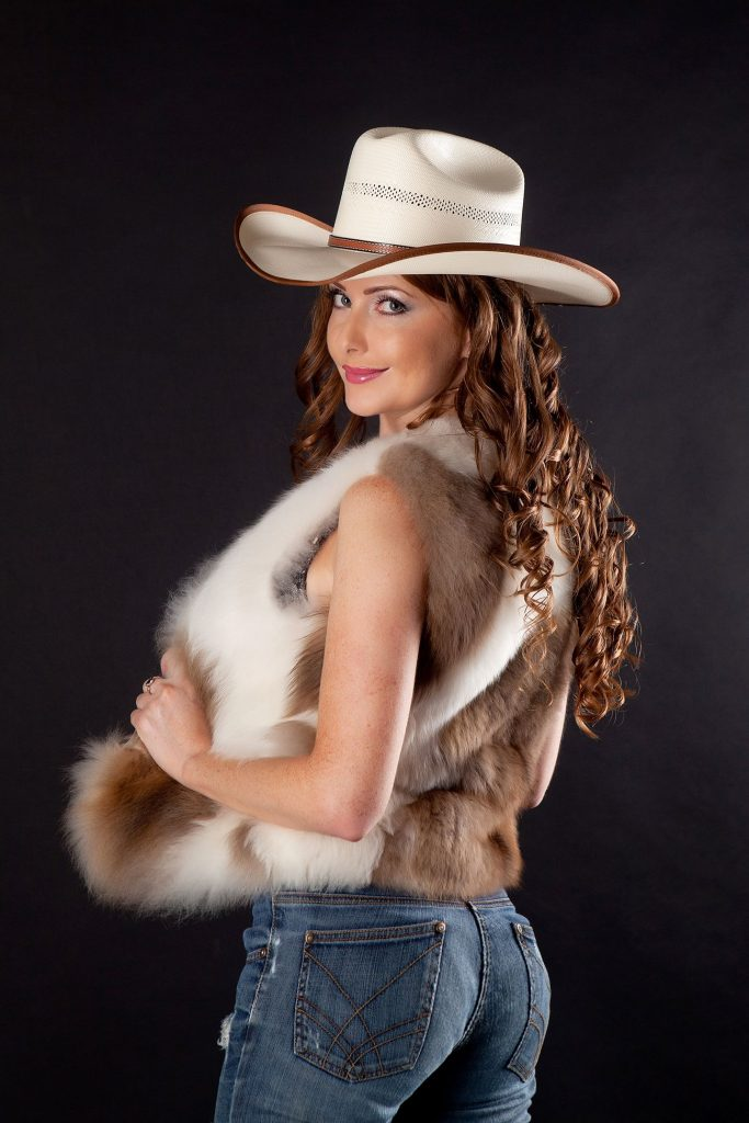 Hot country girl Audrey in tight blue jeans