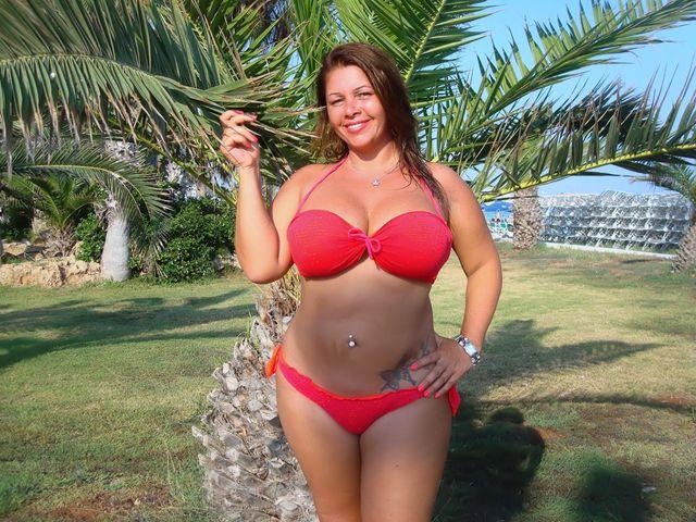 Very big boobs, curvy body - hot camgirl Julia